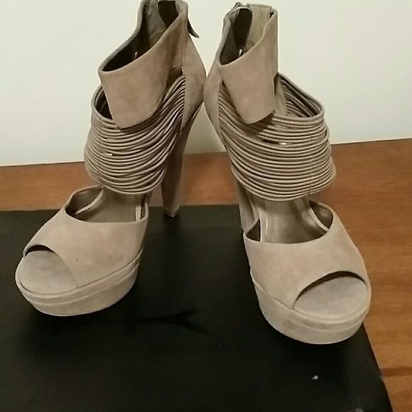 Final Sale! Heidi Klum Gullian Platform Sandal Heads will turn when you wear this sandal. Worn only once, taupe in color. The heel is 5 1/2 inches. Heidi Klum Shoes Platforms
