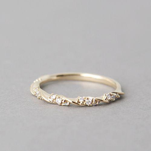 3 Advantages Of Choosing Simple Wedding Rings Unique But Design