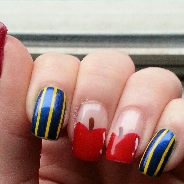 Snow white nails! #nails #nailart #snowwhite #disney #pretty #red