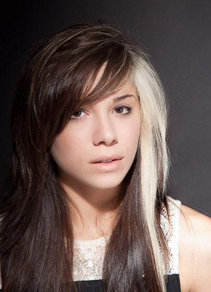 Looks Like Rogue From Xmen Hair Streaks Blonde Hair Color Hair Highlights