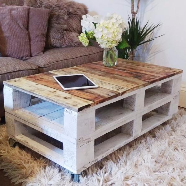 Pallet Coffee Table LEMMIK Farmhouse Style