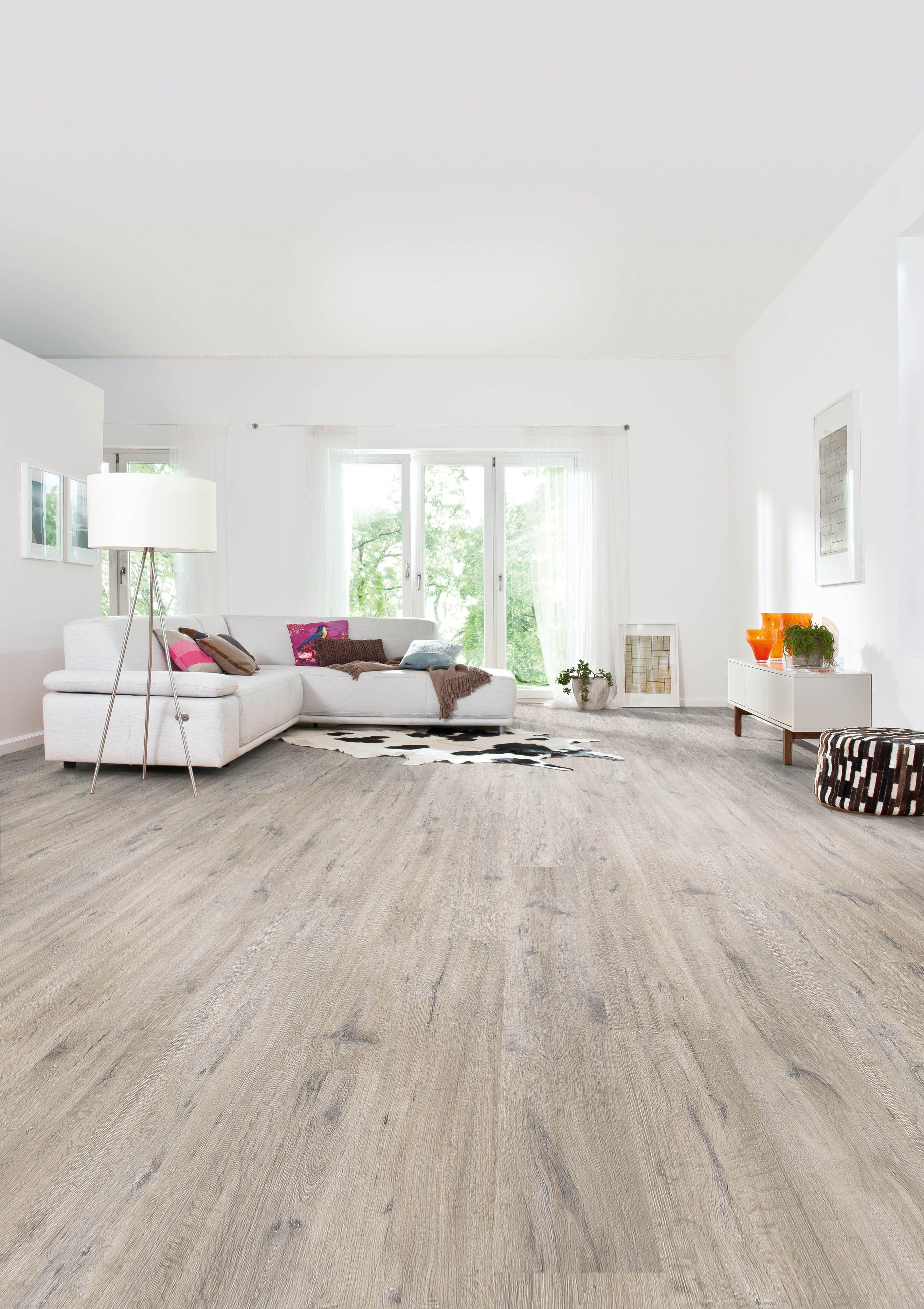 bring leben in dein wohnzimmer mit der strukturierten landhausdiele eiche dover wirkt der raum viel lebendiger
