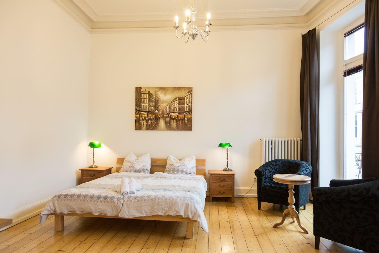 Grosse Sudstadt Wohnung Im Grunderzeithaus Wohnungen Zur Miete In Bonn Wohnung Wohnung Mieten Wohnung Finden