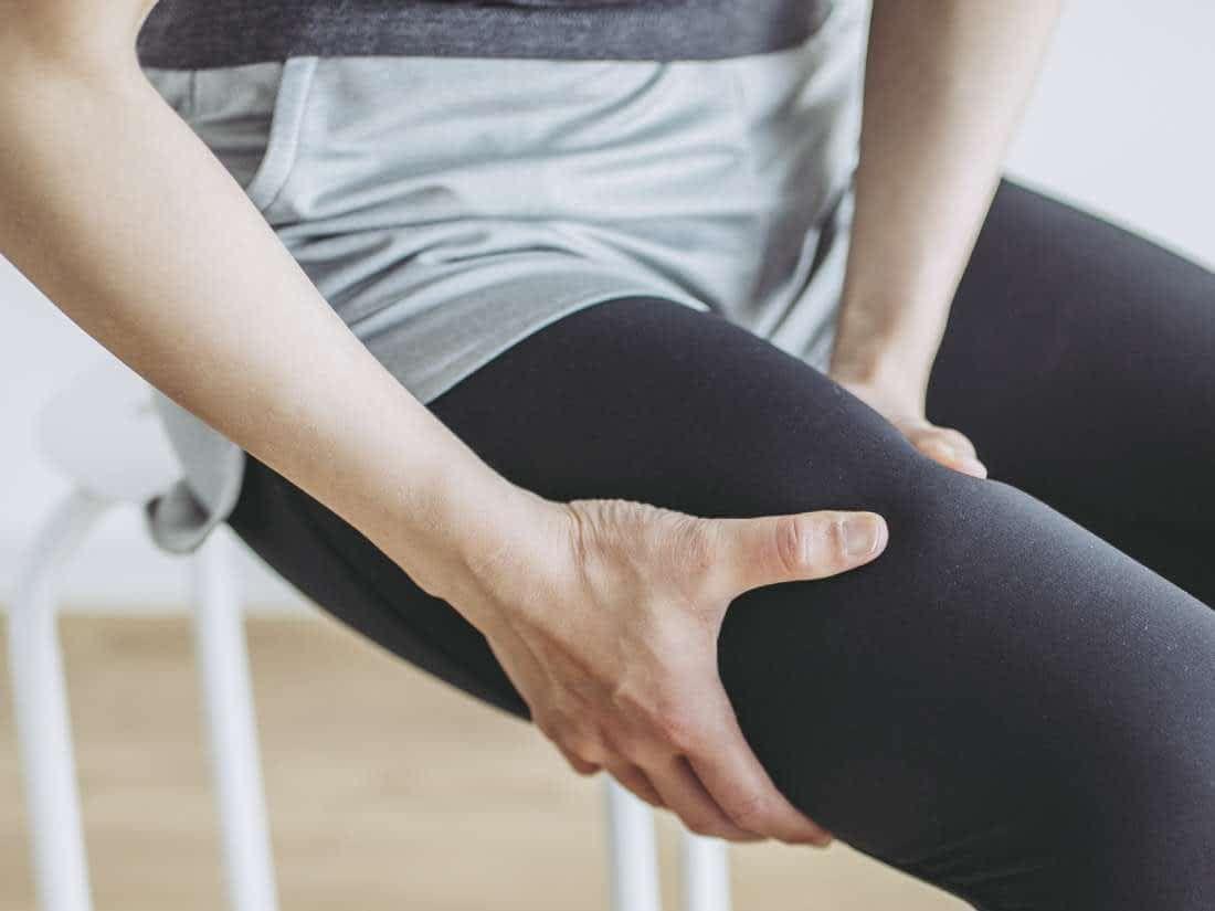 رعشة العضلات لماذا تهاجمنا وكيف نقاومها In 2020 Natural Muscle Relaxer Muscle Relaxer Muscle Twitching