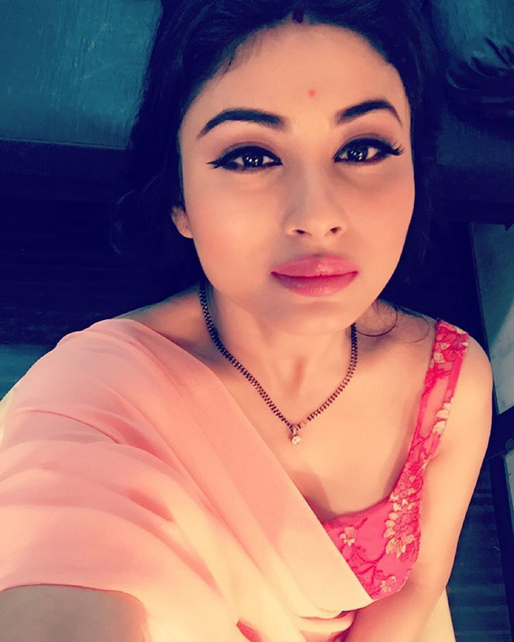 Mouni Roy Height, Weight, Age, Husband, Affairs & More, TV