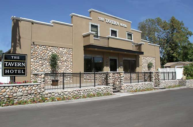 The Tavern Hotel Cottonwood