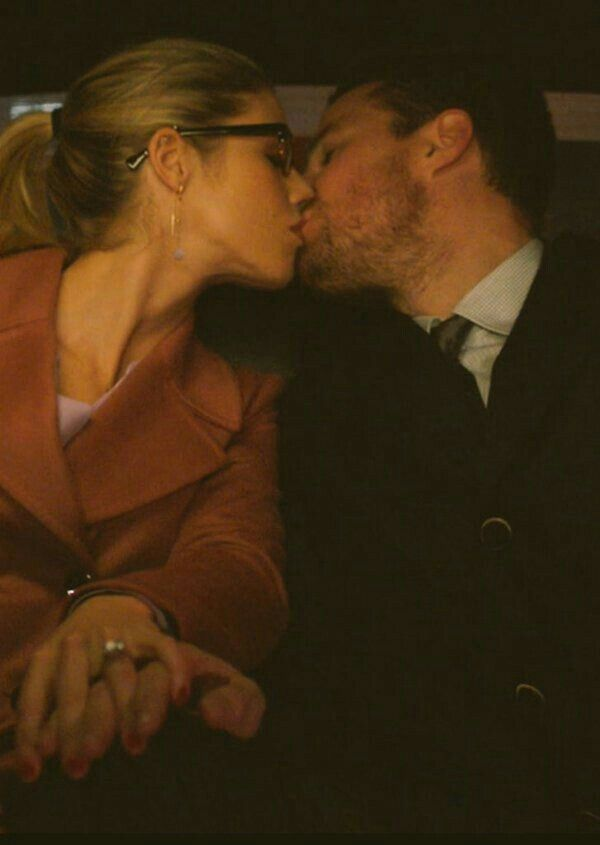 Pin by verena on •olicity/stemily in 2019   Arrow felicity ...