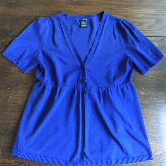 Royal blue short sleeve cardigan This is a royal blue shirt sleeve ...