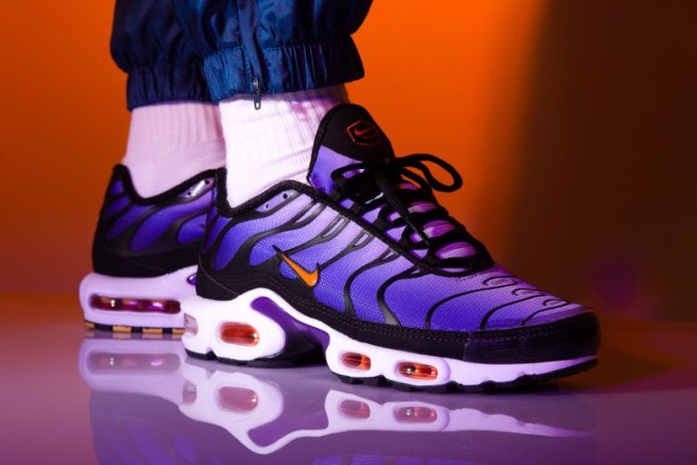 new products c6f50 22cc3 Nike Air Max Plus OG  Voltage Purple Total Orange  2018 on feet (3)