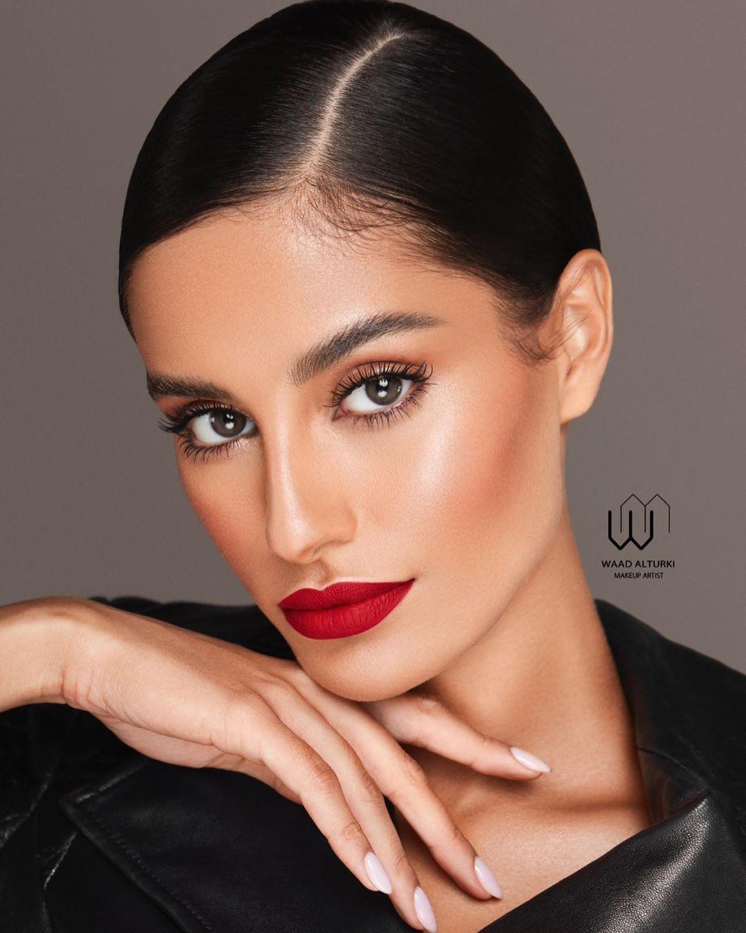 Waad Altarki وعد التركي On Instagram Hollywood Glam واخيرا اول لوك من لوكات لندن التتوريال على السناب الحين من اكثرر اللوكات المطلوبه و ال