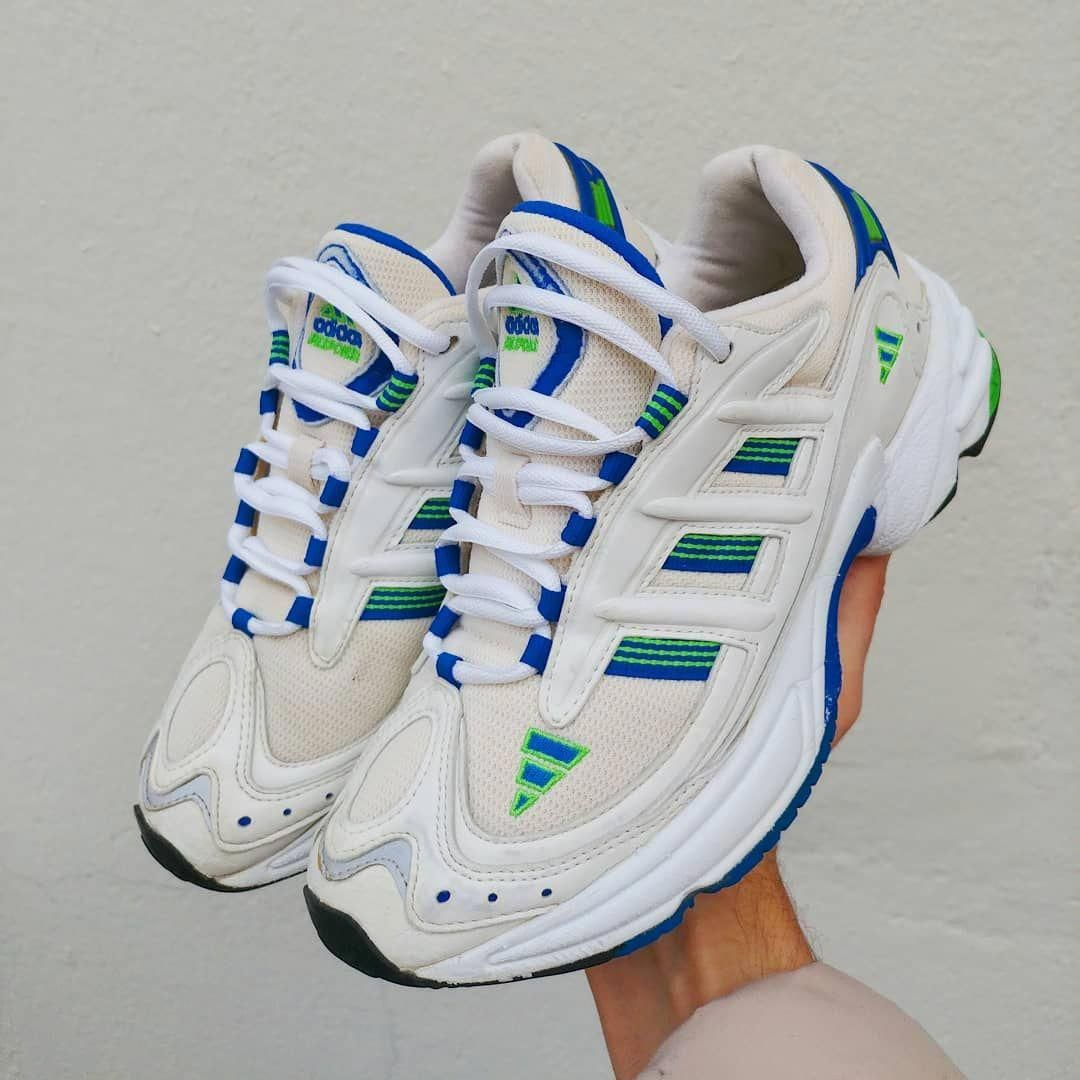 5b776399d3 Adidas Response 1998 Vintage Sneakers Kicks Woman Streetwear fashion ss19  Look deadstock dadshoes Trail 90s Rare