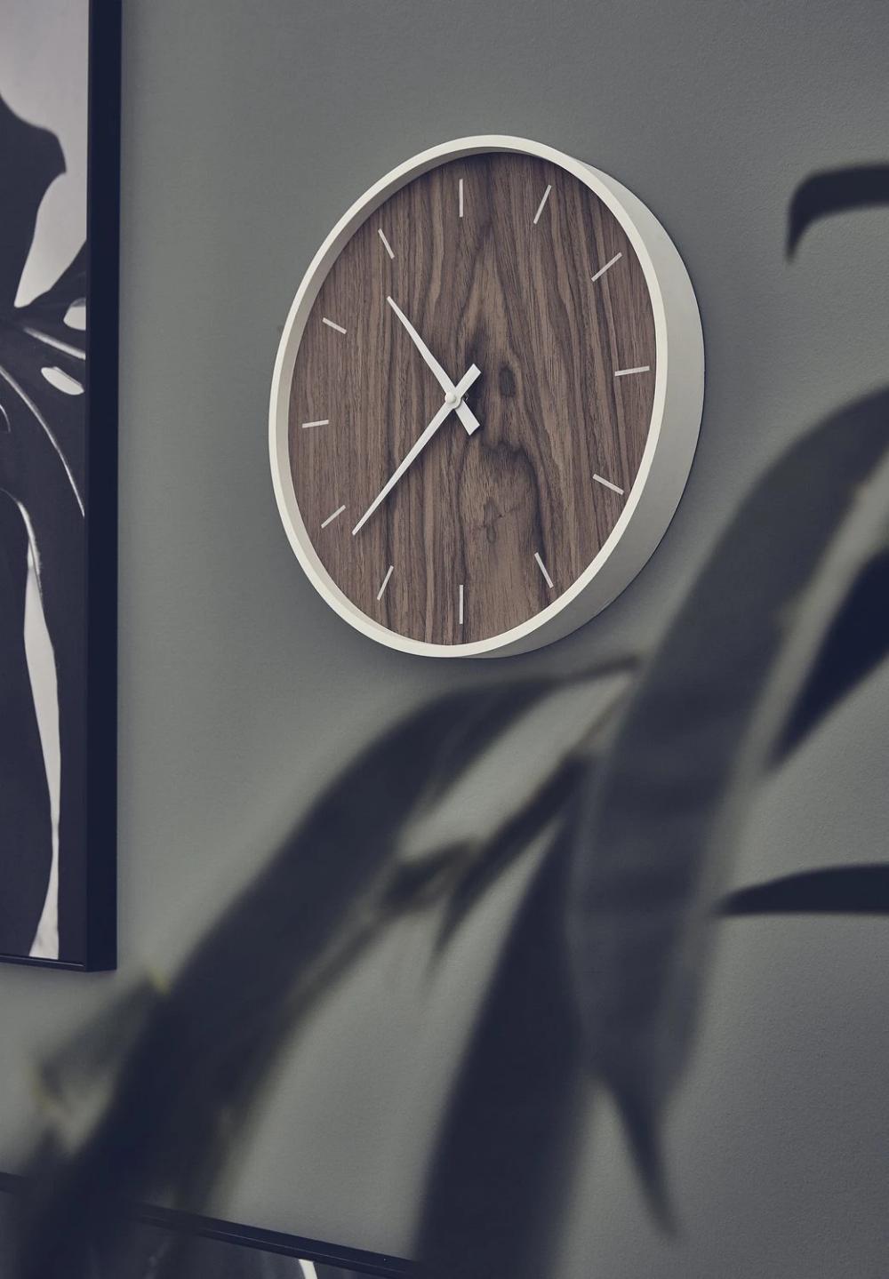 Une Horloge Bois Et Blanc Leroy Merlin Amenagement