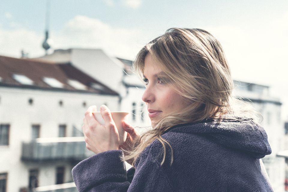 NEUE TEES – NEUE FOTOS  Seit ein paar Tagen gibt es zwei neue Teekreationen bei uns im Onlineshop zu bestellen. Der Pure Beauty unterstützt deine Schönheit von innen. Der Power Detox entgiftet deinen Körper und bringt dir deine Kraft zurück. Dazu sind sie geschmacklich einfach wundervoll. Neue Tees brauchen neue Fotos!