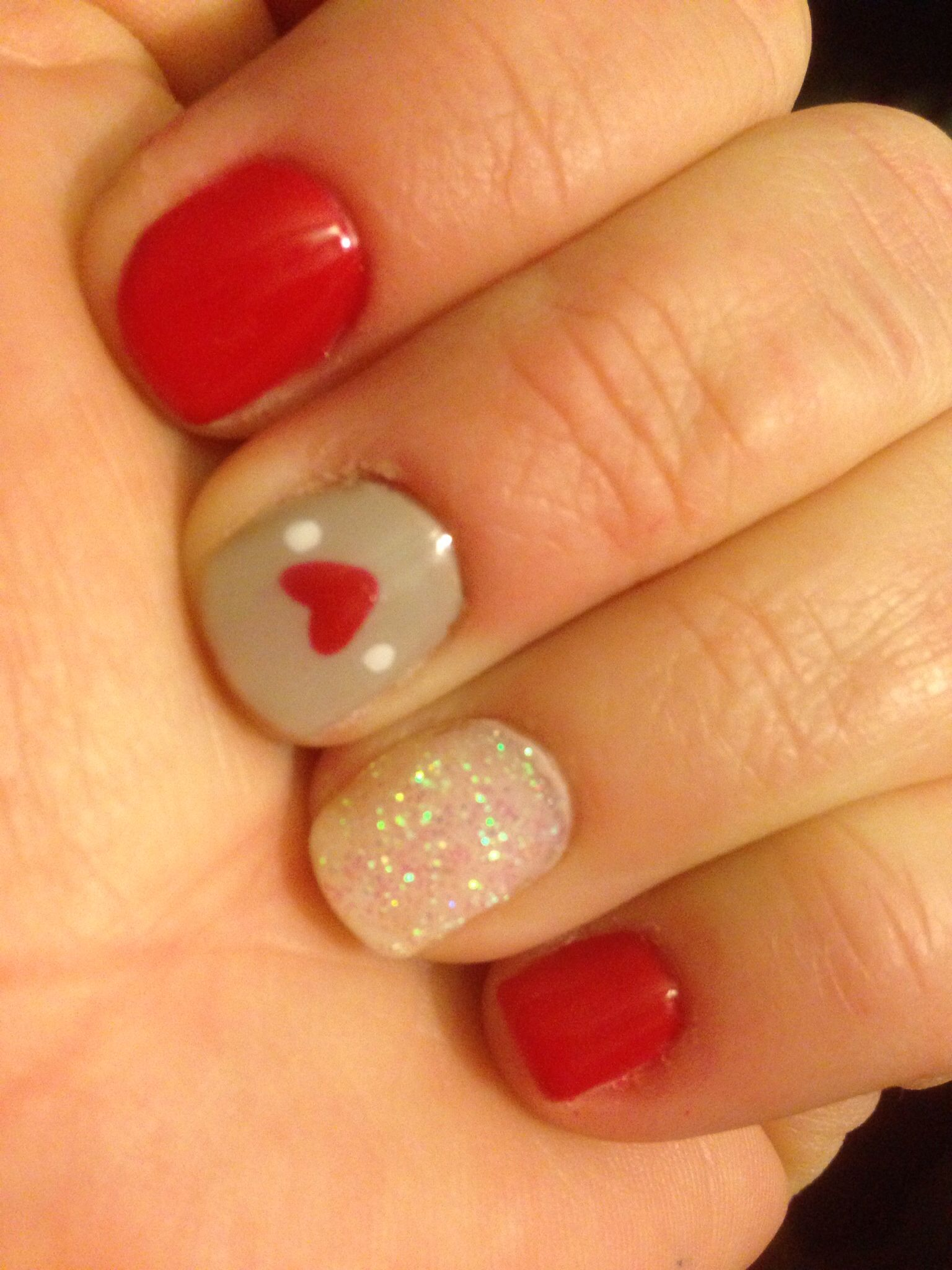 holiday red and grey gel nails