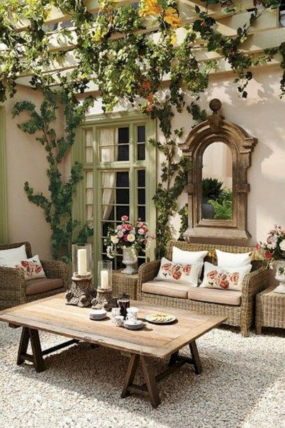 Awesome 38 Modern European Living Room Decor Ideas With Tuscan Style