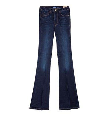 Ψηλόμεσο παντελόνι denim σε dark blue, με ξεβαμμένο look και σχέδιο καμπάνα στο τελείωμα. Σχεδιασμένο απο 100% βαμβάκι με άνετη γραμμή και απαλή υφήbsb