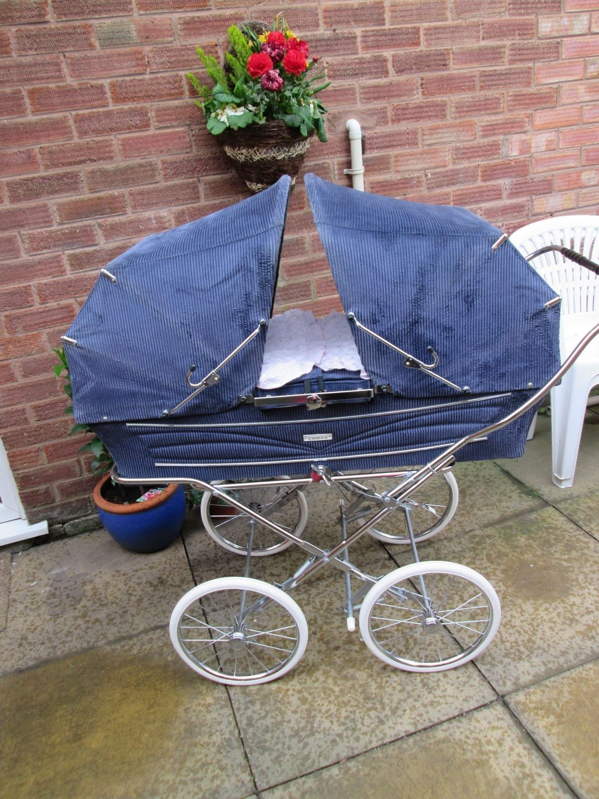 Twin coachbuilt pram
