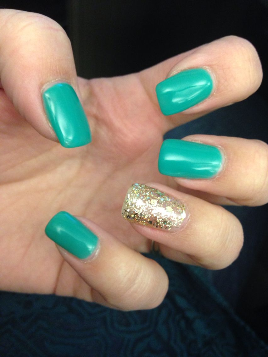 Early St. Patties nails! Teal/pale green and gold. Loving the length and shape!