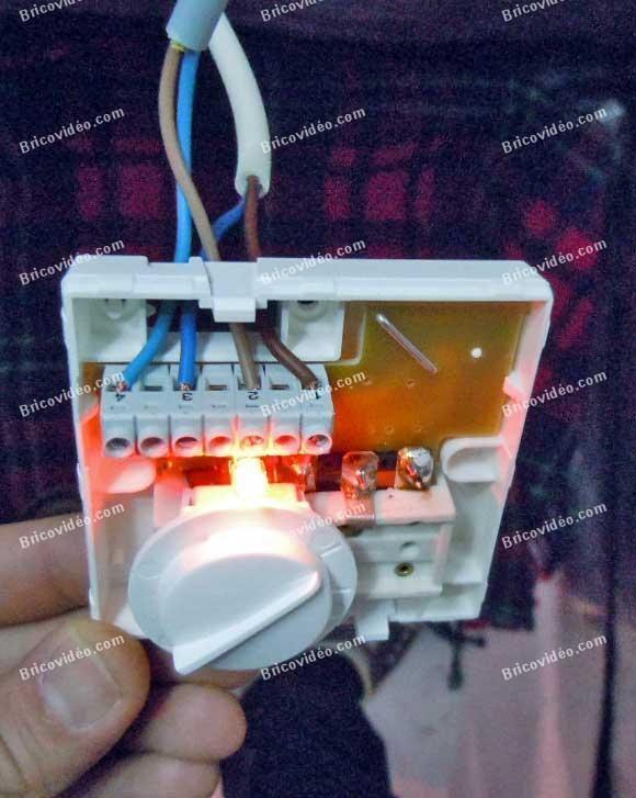 Brancher Thermostat Avec Contact Inverseur Travaux Electricite Branchement Electrique Extracteur