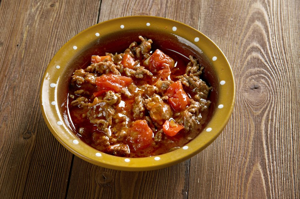 Grand classique de la cuisine basque d couvrez l 39 axoa de veau relev au piment d 39 espelette - Grand classique cuisine francaise ...