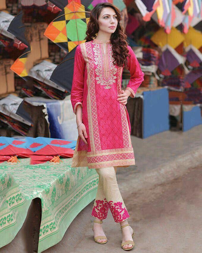 Pin de Mairakhan en Pakistani dresses | Pinterest | Conjuntos y ...