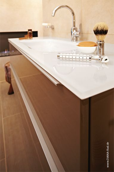 waschtisch aus wei em glas diana style interior lifestyle pinterest waschtisch diana. Black Bedroom Furniture Sets. Home Design Ideas