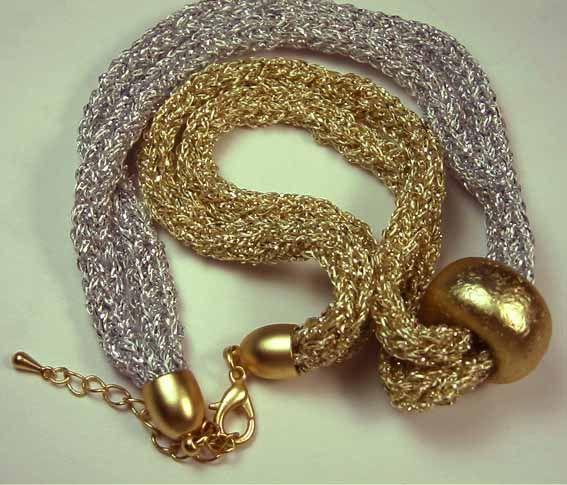Halssieraden: punniken / Necklaces: spoolknitting