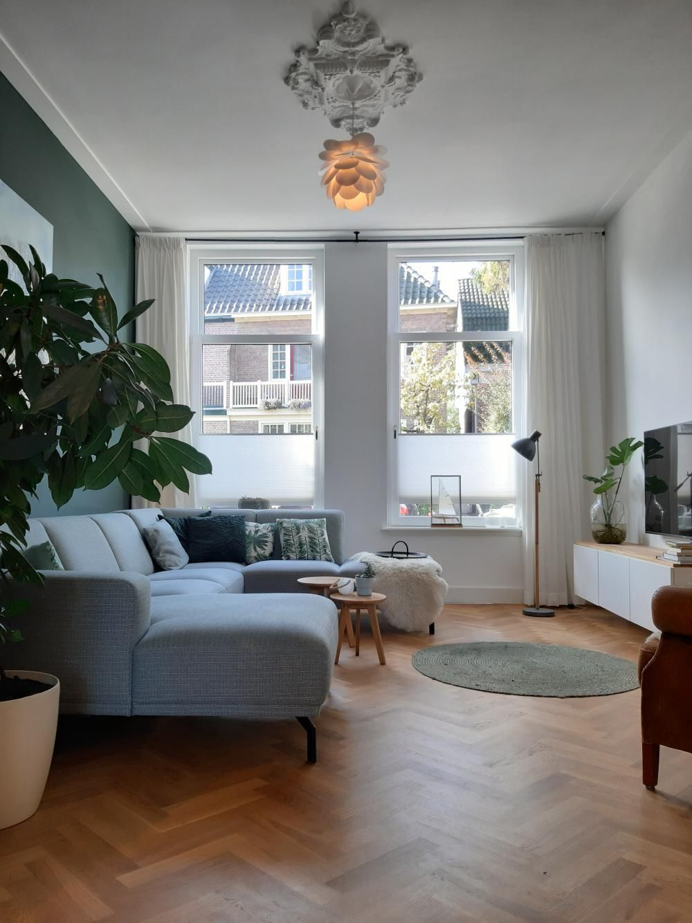 Woon Je In Een Oud Huis Mix Vintage Met Modern Voor Een Mooi Interieur Do You Live In An Old Huis Interieur Interieur Woonkamer Klein Appartement Woonkamer