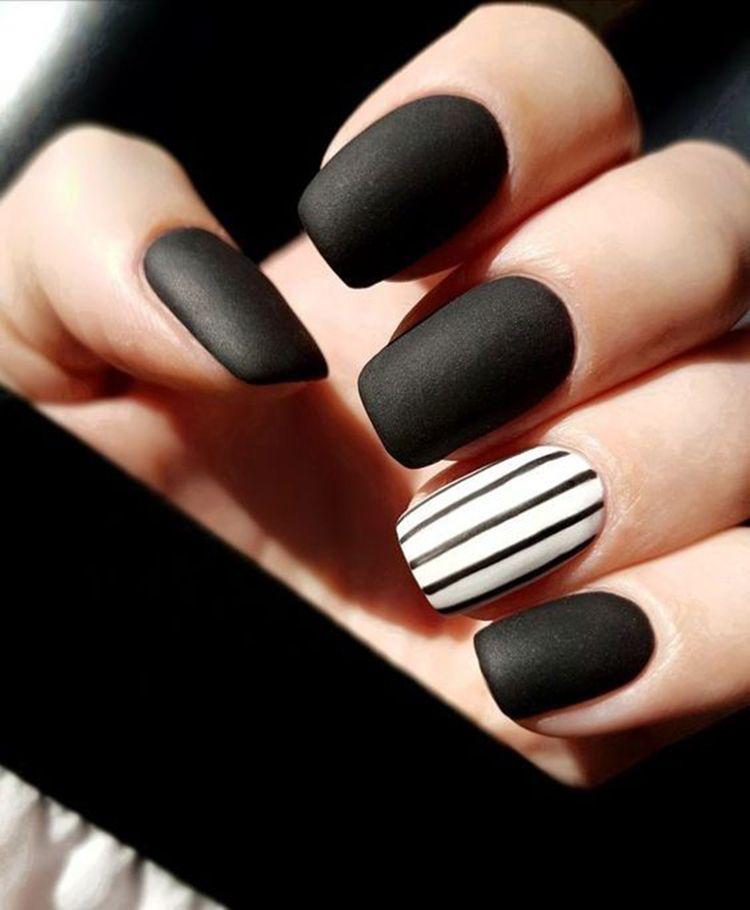 30 Trendy Matte Black Nails Designs Inspirations Koees Blog Matte Nails Design Matte Black Nails Black Nail Designs