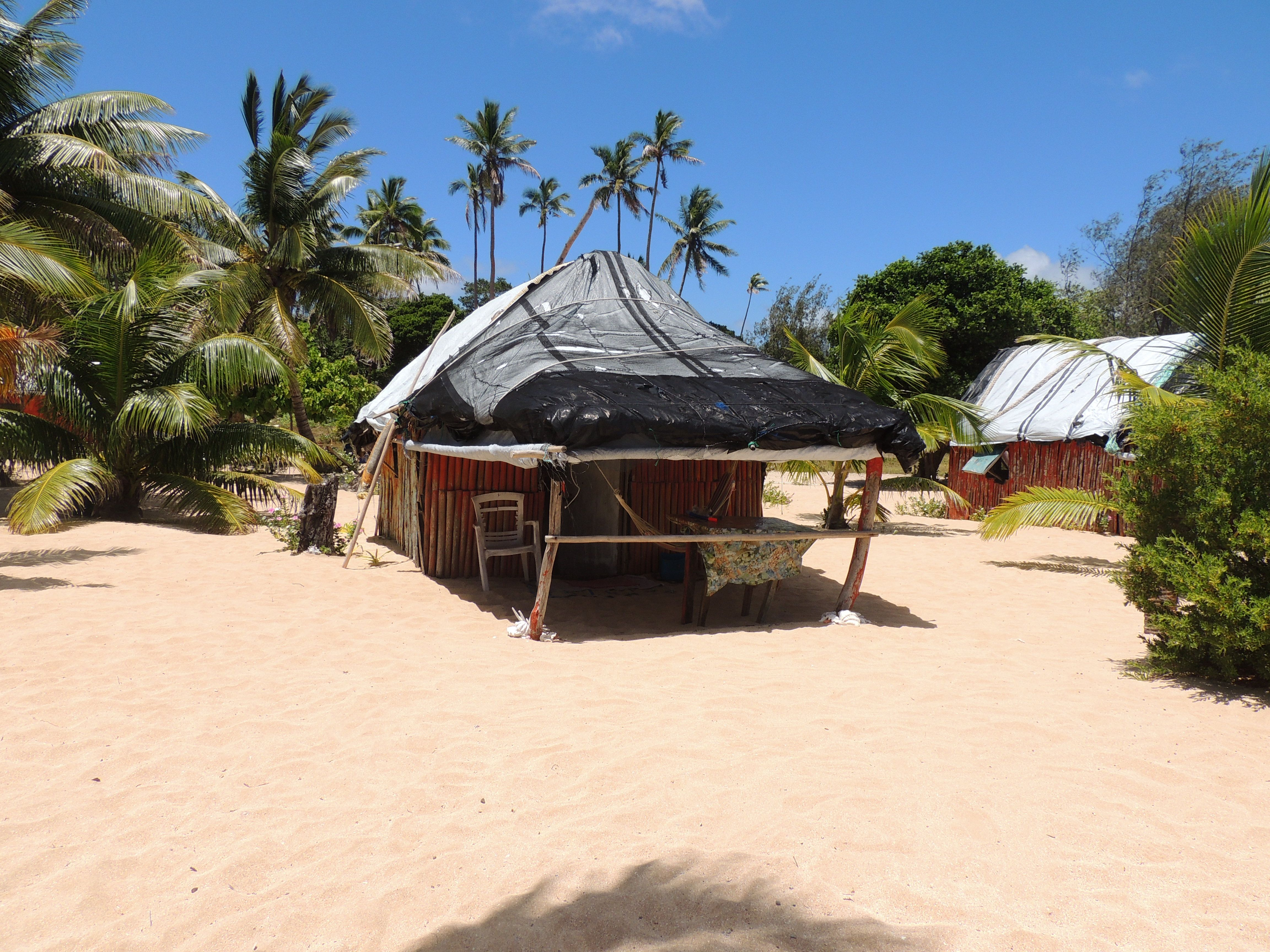 Staying at tianas on uoleva island haapai tonga viatori staying at tianas on uoleva island haapai tonga our fale on the beach sciox Images