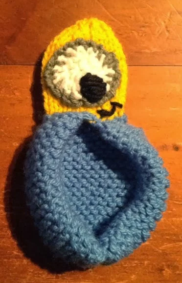 Free Knitting Pattern For Minion Slippers Knitting Pinterest