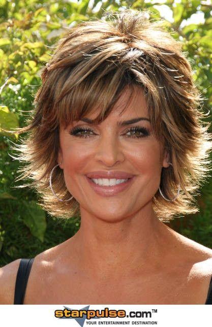 Lisa Rinna Her Hair Is Cute Medium Length Hair Styles Hair Lengths Short Hair With Layers