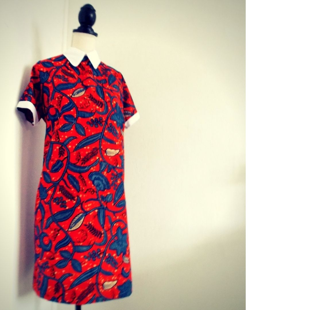 robe courte col claudine en tissu africain par laure art pour afrikrea. Black Bedroom Furniture Sets. Home Design Ideas