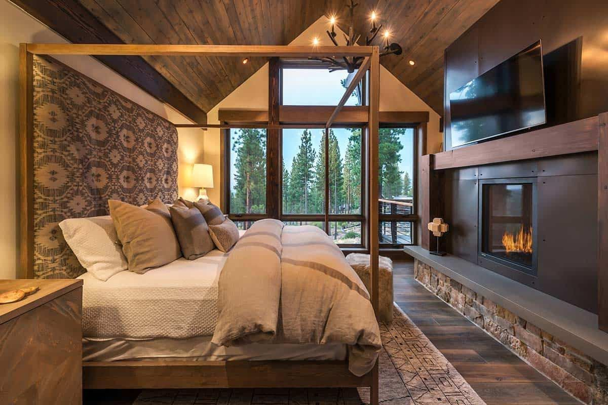 Luminous Mountain Style Home Frames Breathtaking Views Of Martis Valley In 2020 Architect Mountain Style Mountain Interiors