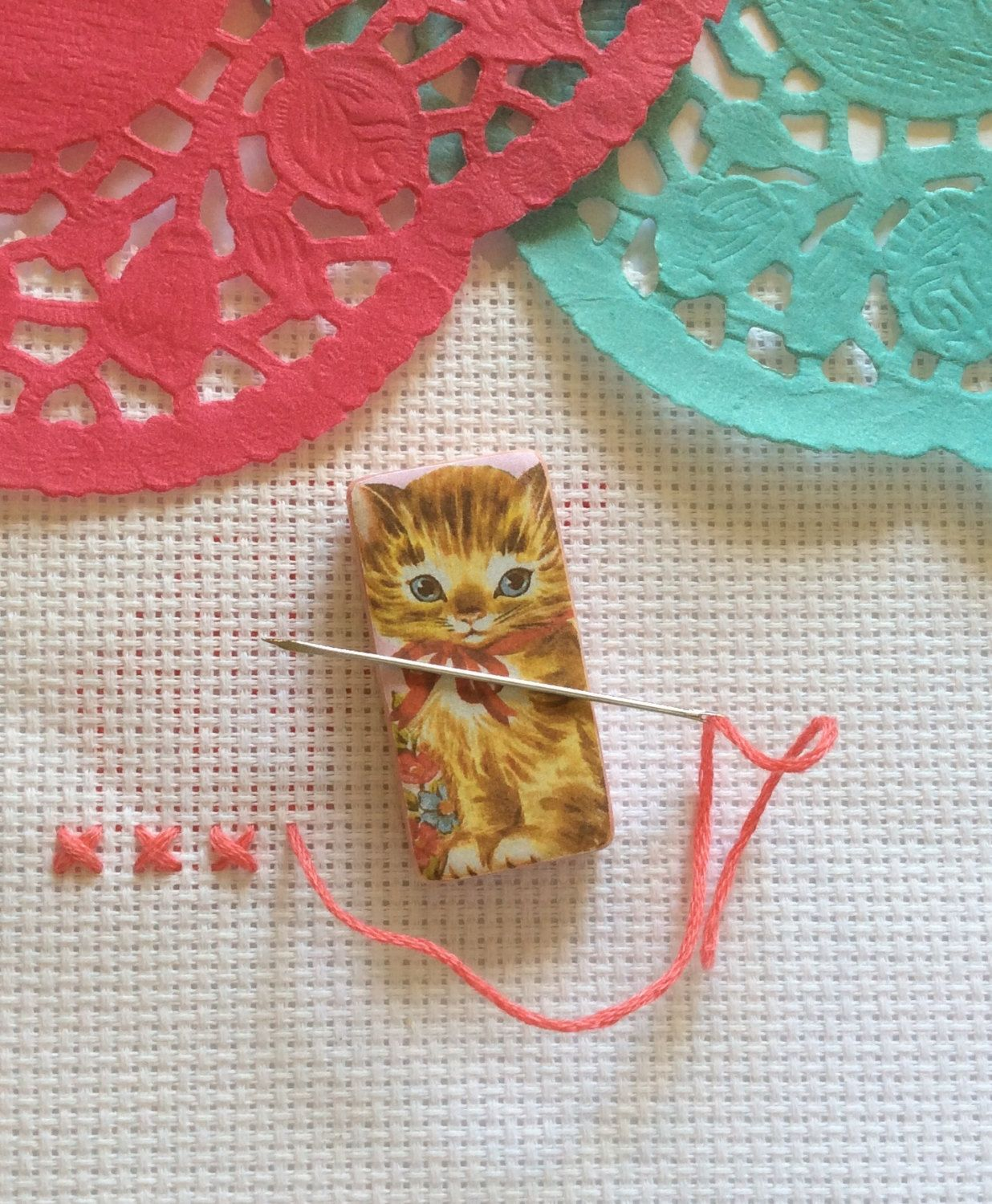 Needle minder cat spring easter magnetic cross stitch needle minder cat spring easter magnetic cross stitch sewing needle negle Images