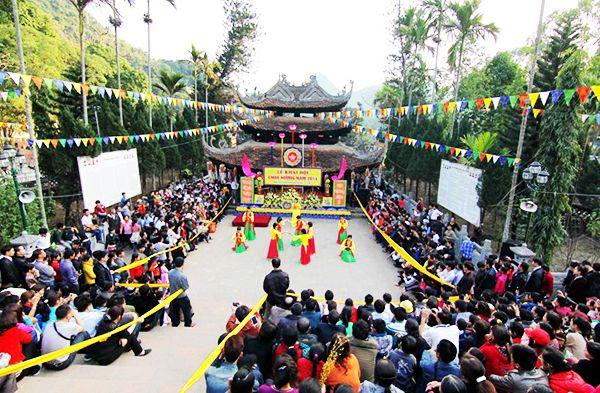 Lễ hội chùa Hương vào đầu năm mới