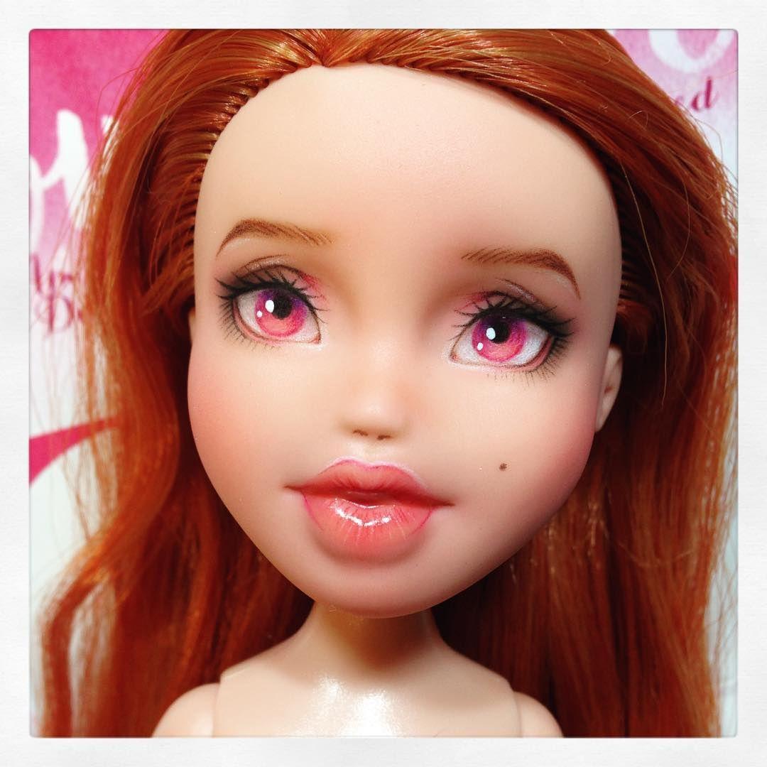 64 отметок «Нравится», 1 комментариев — I Am Loved Dolls (@iamloveddolls) в Instagram: «Newest comission going in the mail today! 🌷 #iamloveddolls #commission #customdoll #repainteddoll…»