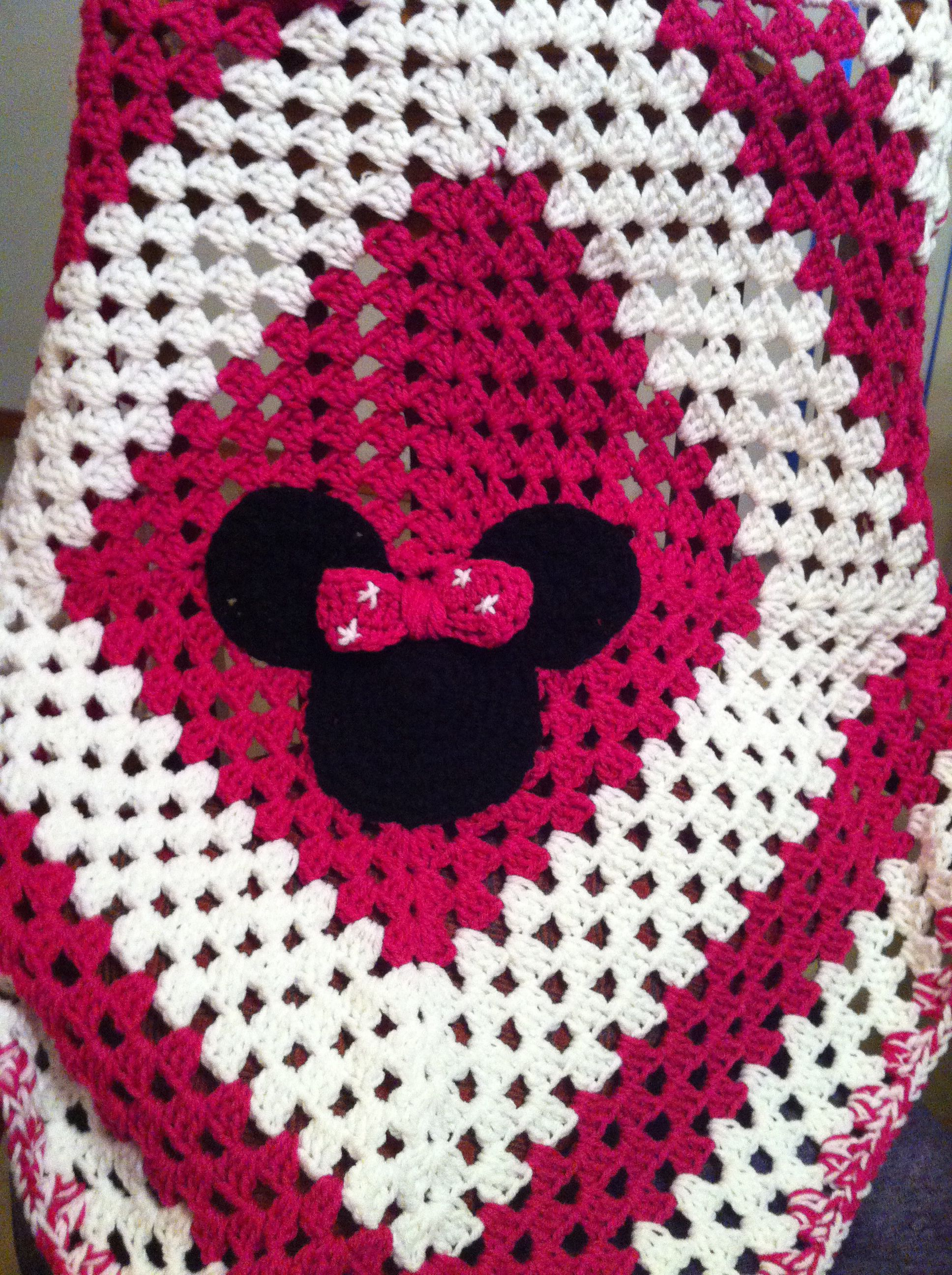 Free Amigurumi Disney Patterns : Disney crochet minnie mouse blanket crochet blanket aphgans