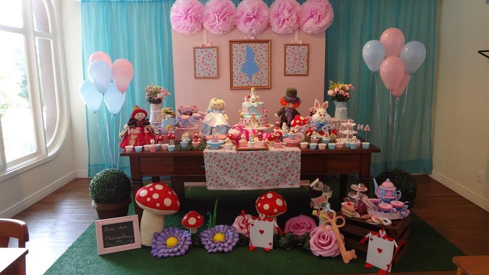Decoracao Alice No Pais Das Maravilhas By Caramelo Festas Infantis