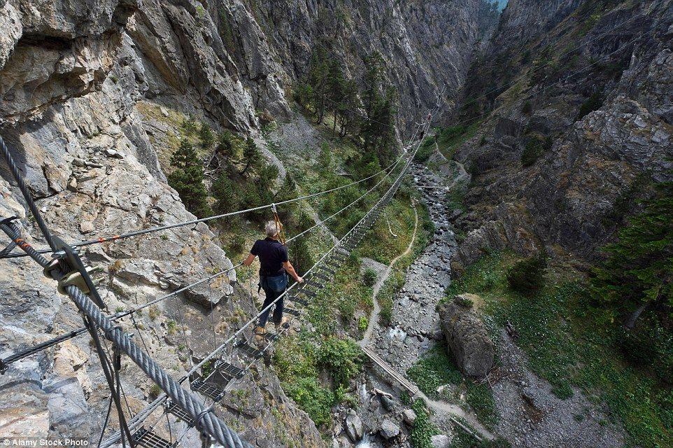 Ponte Tibetana, Itália
