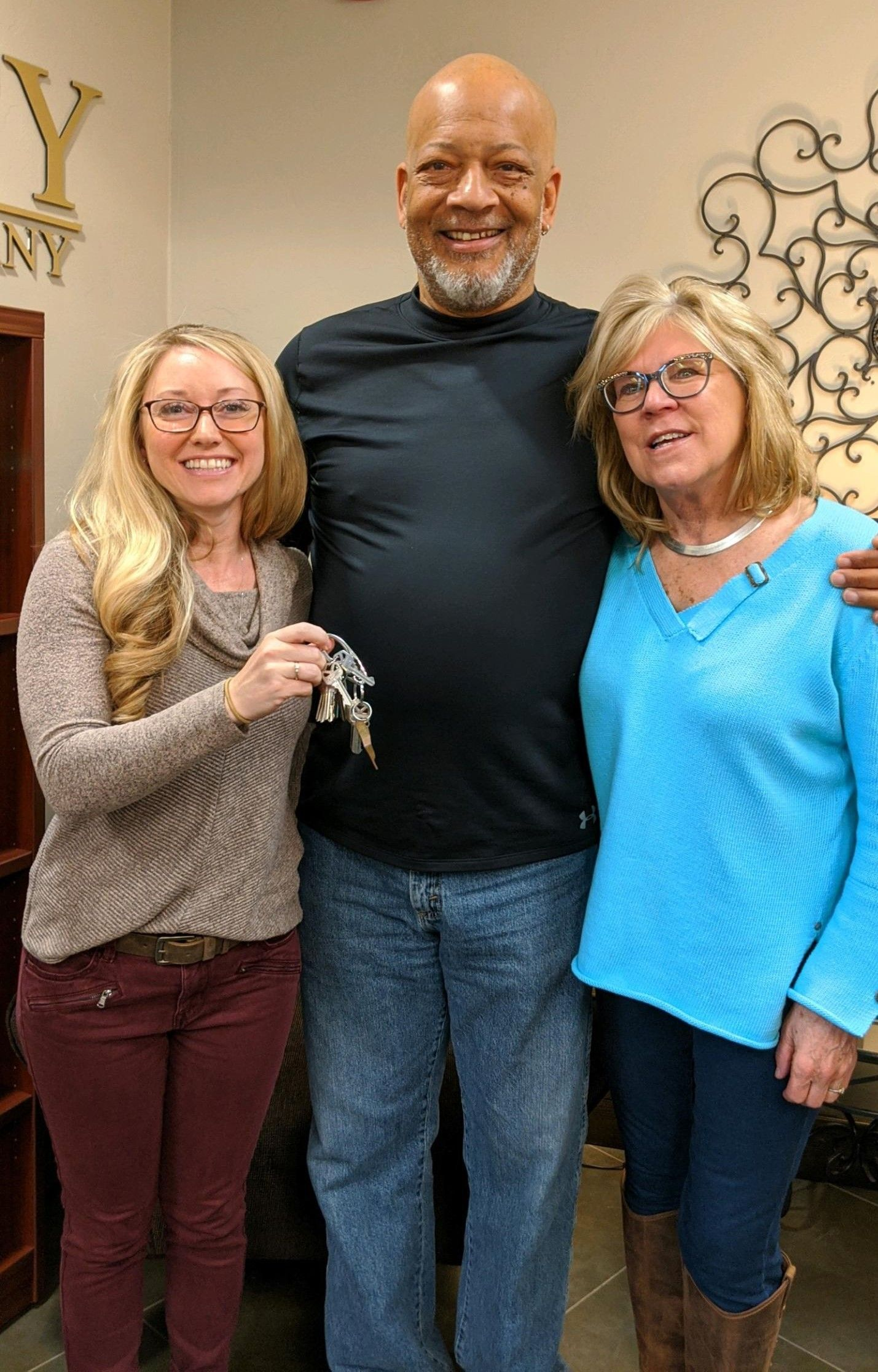 I am happy to hand the keys to their New Home over to Derek and Debra! Thank you for choosing me to be Your Realtor! Congratulations! #yourrealtor #realestateagent #homesweethome #newhome #buyersagent #newhomeowners