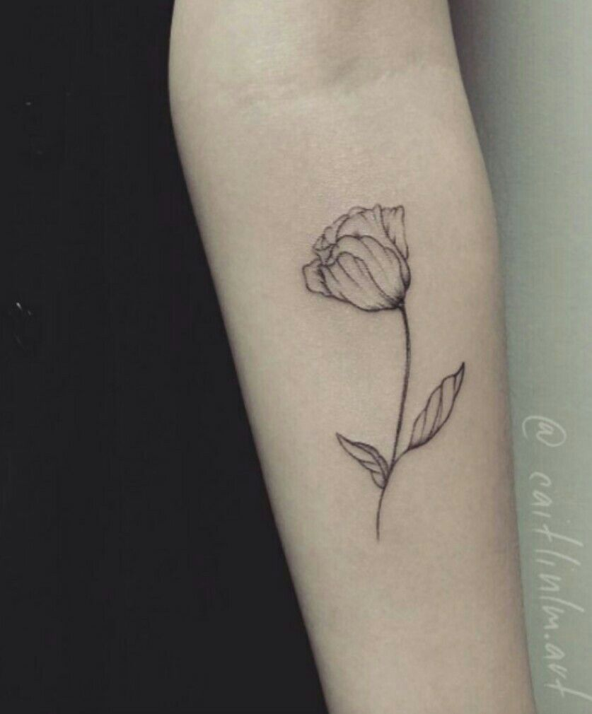 Minimalistic tulip tattoo | Tulip tattoo, Small tattoos ...