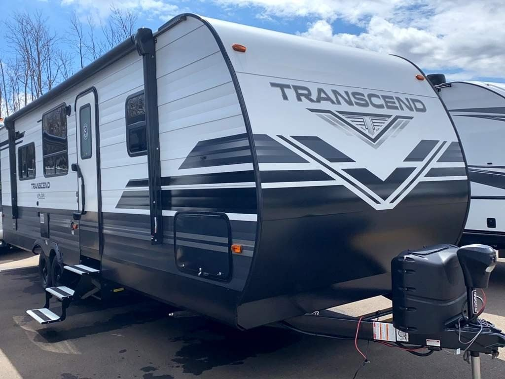 Inventory Colton Rv In Ny Buffalo Rochester And Syracuse Ny Rv Dealer Fifth Wheel Campers And Class A Motorhomes For Sale In Ny In 2020 Travel Trailer Interior