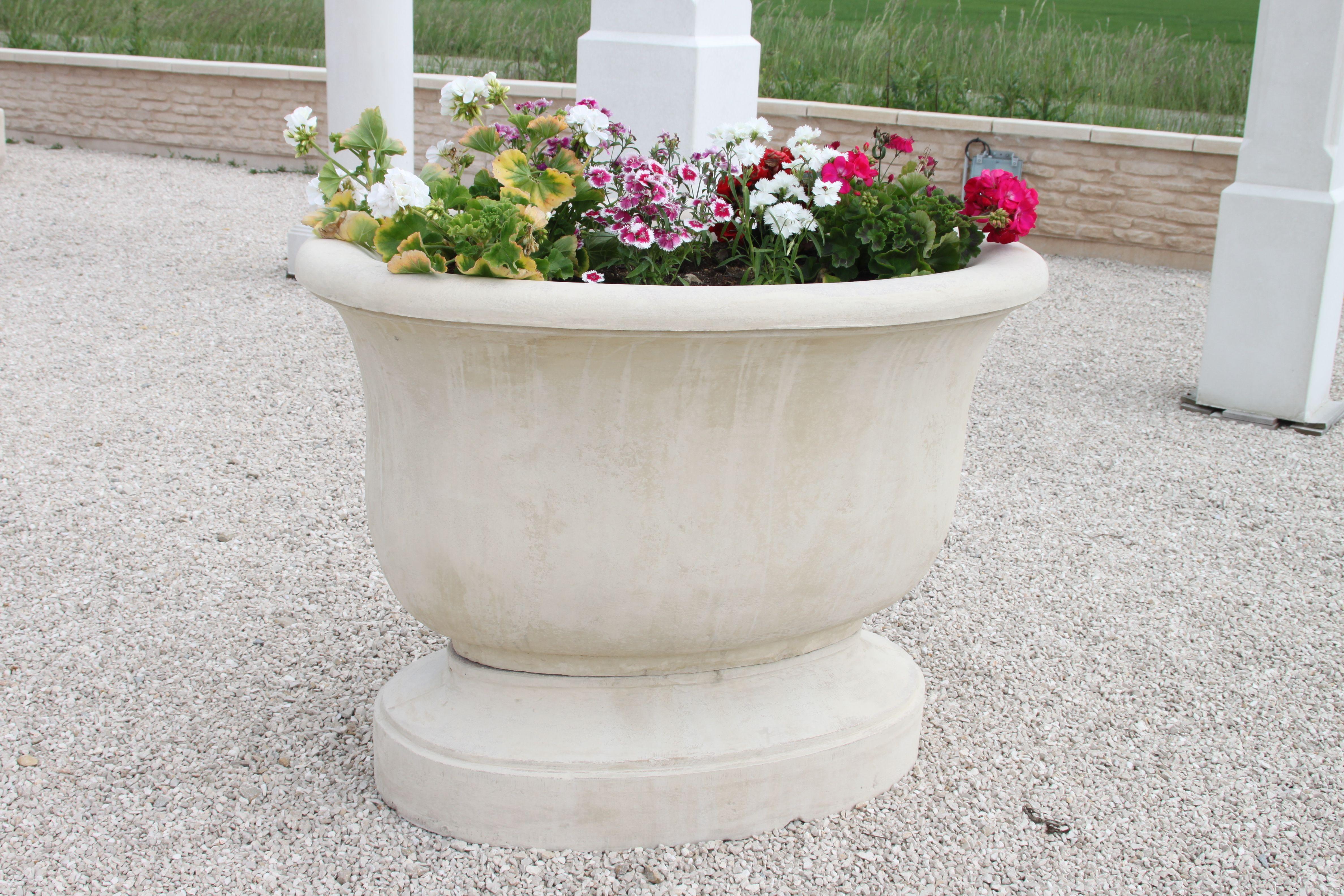 Épinglé sur Vasques de jardin en pierre reconstituée
