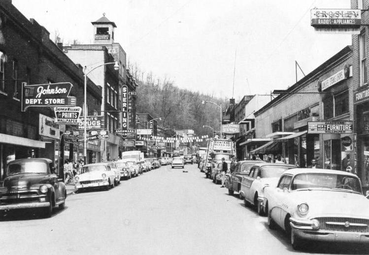 Hazard, Kentucky main street, 1950s   Vintage car scenes #2 ...