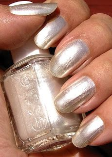 Essie - Pearly White