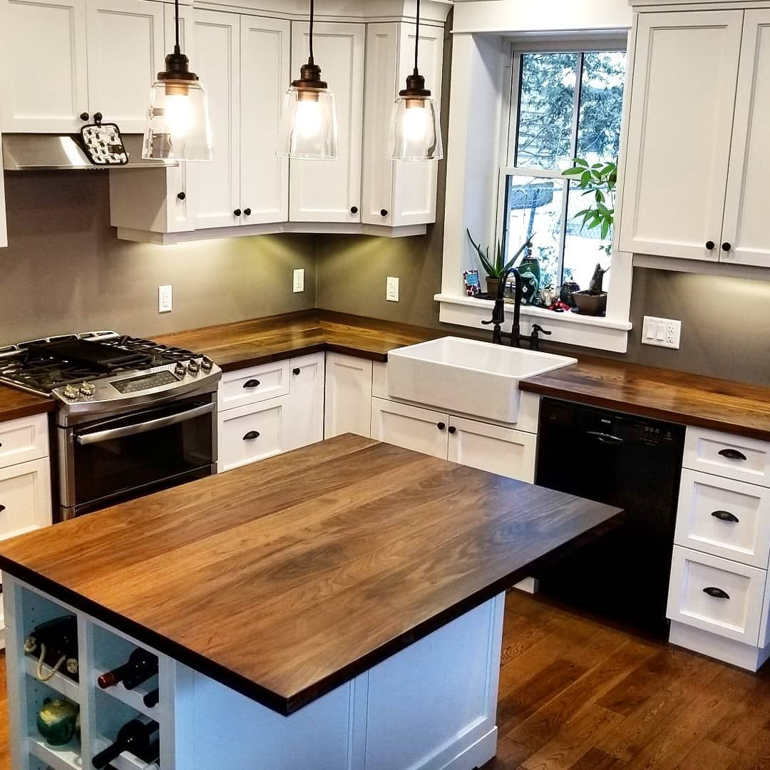 Butcher Block Countertops Or Wood Countertops Introduce Warmth To A Kitchen They Add A Little Rustic Ch Kitchen Design Home Kitchens Butcher Block Countertops