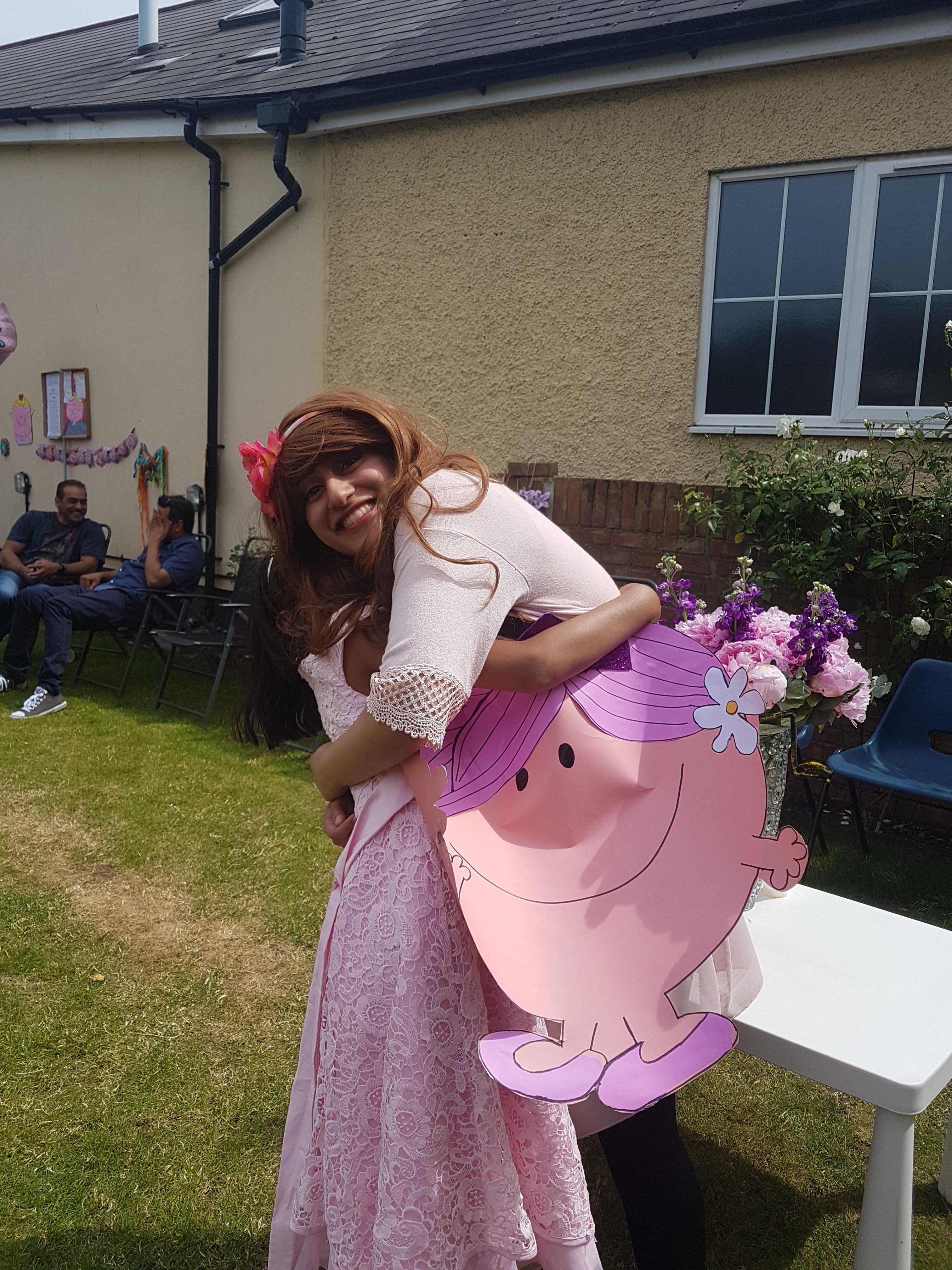 Little Miss Hug Diy Costume Book Week Costume Diy Costumes Book Character Day