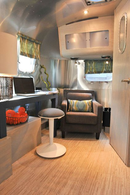 airstream camper interior modern style fourgon tinyhouse caravane pinterest caravane. Black Bedroom Furniture Sets. Home Design Ideas