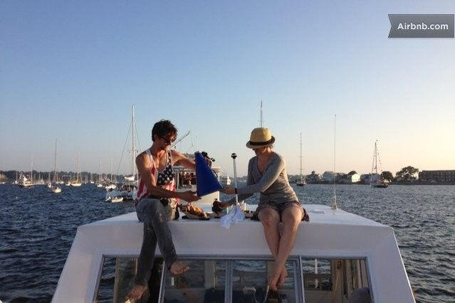 Stunning Views Upon The Belafonte In Newport Stay On A Boat